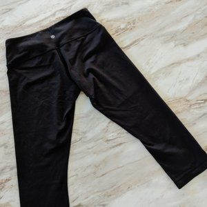 Lululemon cropped black leggings 8